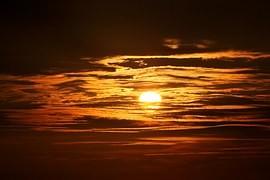 50 moich myśli między wschodem a zachodem słońca.
