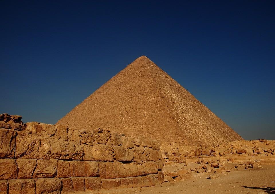 Złoto faraonów sekretem pięknych włosów sióstr Kardashian 0